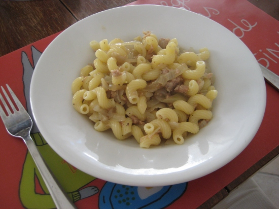 A dish of Onion and tuna pasta