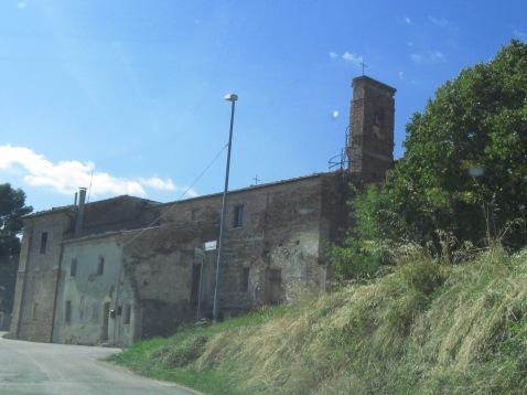 Fonte Corniale: the church