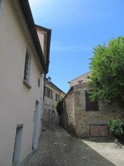 Fiorenzuola: a narrow street