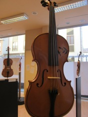 Violin decorated by Bibi Trabucchi, calligrapher