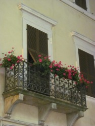 Branca street - an Italian balcony