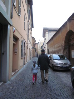Walter and Costanza heading to Chiesa del Nome di Dio