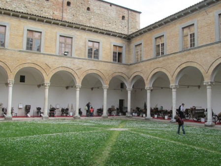 The cloister of the library (Urbania)