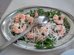 Shrimps with arugula and pecorino