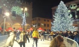 Pesaresi ice-skating in the main square