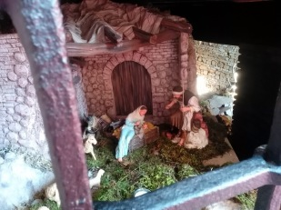 A crib inside a cellar (view from the street)