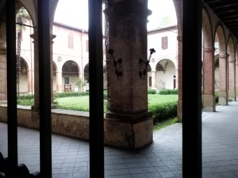 The cloister of the old monastery, via Passeri